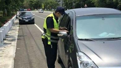 最高罰款5400元!警政署推「全國路口安全大執法」9/1上路 駕駛不服「綠燈等到變紅燈」好無奈:他們罰太少